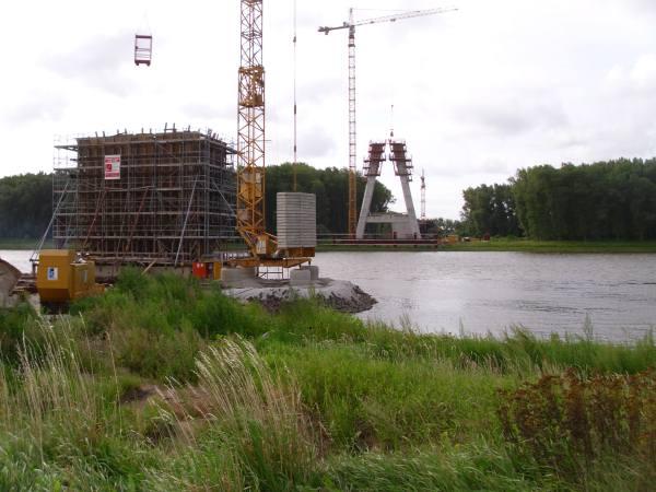 Bausituation an der Elbebrücke Schönebeck